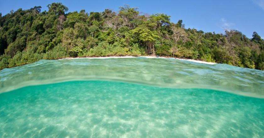 Warm, clear waters bathe the shores of the Mergui Archipelago in Myanmar    © Ethan Daniels / Shutterstock