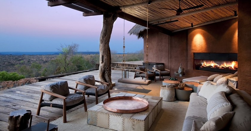 The villa offers unmatched views of the Waterberg Mountains | © Villa Guru