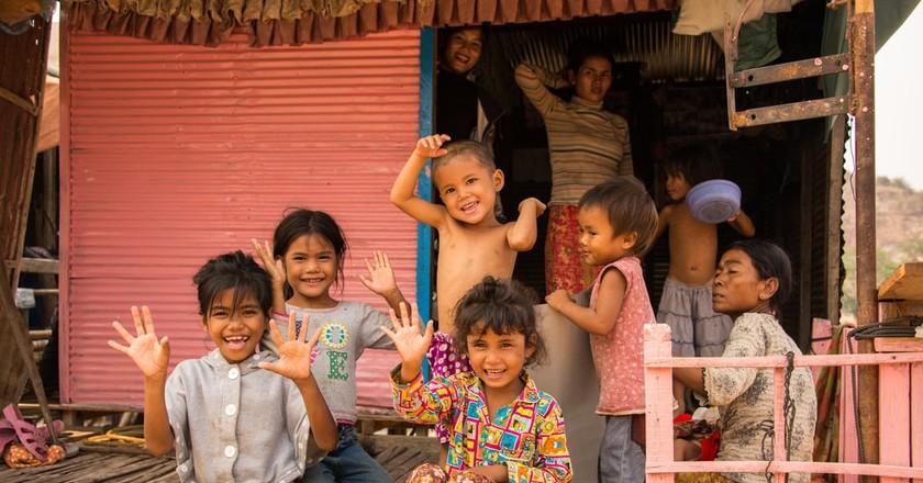 A welcoming Cambodian family | © Vassamon Anansukkasem/Shutterstock.com