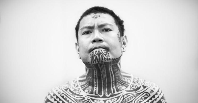 Tattooed Maori Man   © Daniele Pisani / Shutterstock
