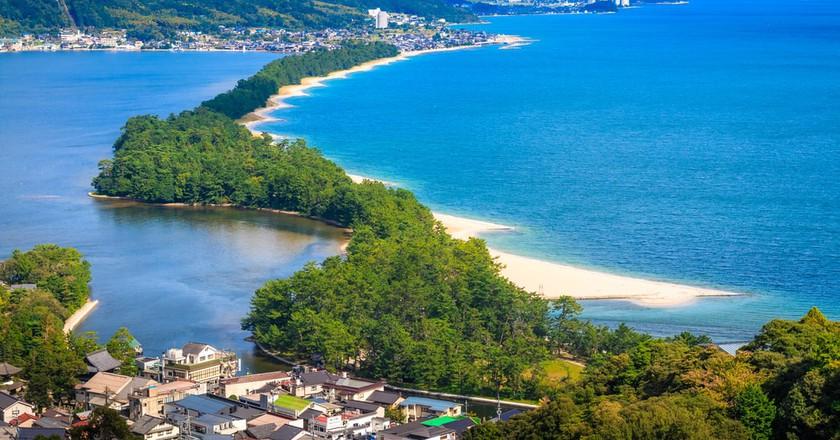 The Amanohashidate Sandbar, one of the Three Views of Japan | © beeboys / Shutterstock.com