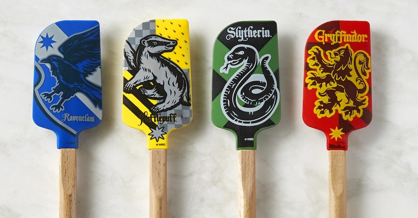 These Awesome New Harry Potter Gadgets Will Help You Cook Up Some Magic