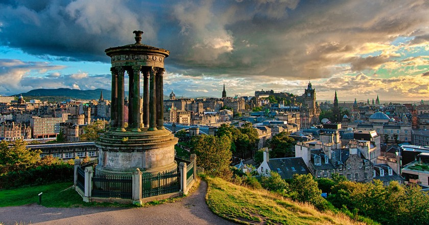 Stormy Calton Hill, Edinburgh | © Andy Smith / Flickr