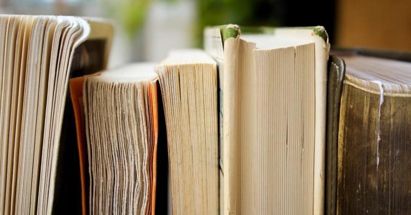 Books | © Syd Wachs / Unsplash