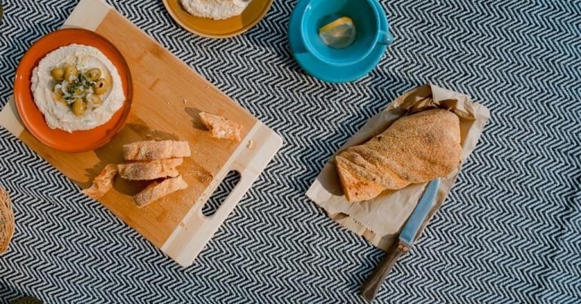 Delicious hummus   © Toa Heftiba / Unsplash