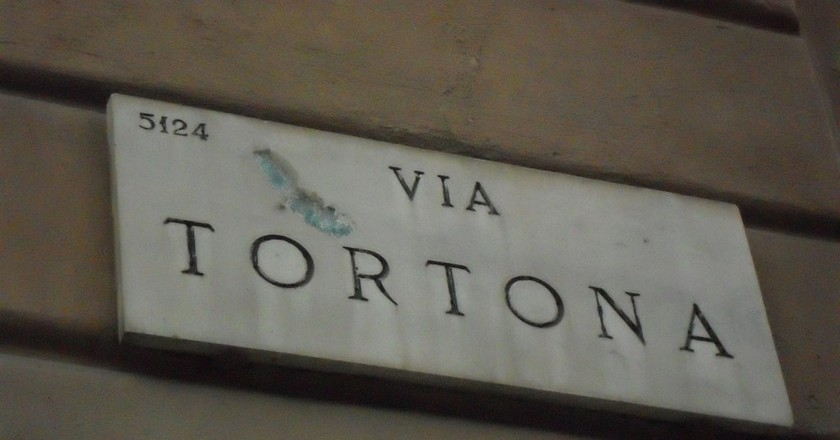 Via Tortona street sign, Milan | © Carollina_Li/Flickr
