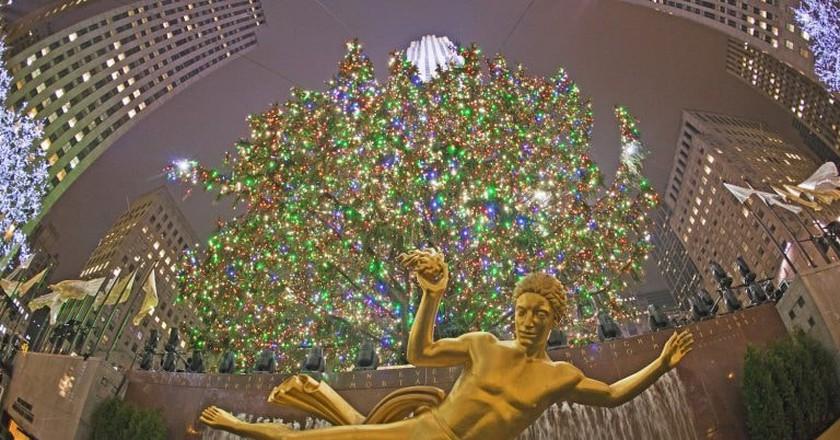 Rockefeller Center Christmas Tree | © Anthony Quintano / Flickr