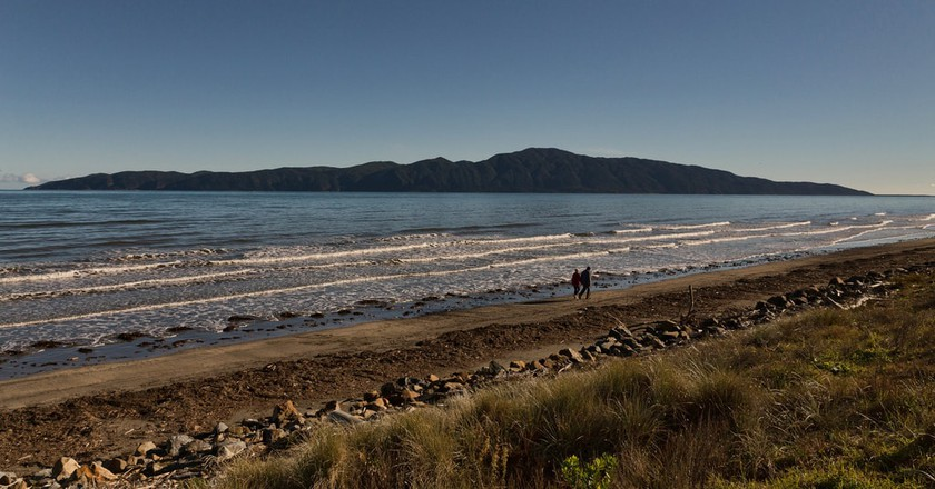 View of Kapiti Island from Raumati South on the Kapiti Coast | © rewai/Flickr