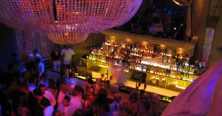 Nightclub ©Bruce Turner/Flickr