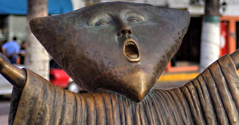 En Busca de la Razón ('In Search of Reason') sculpture   © Pato Garza / Flickr