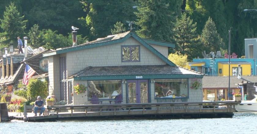 Sleepless in Seattle Boat House   © eng1ne / Flickr