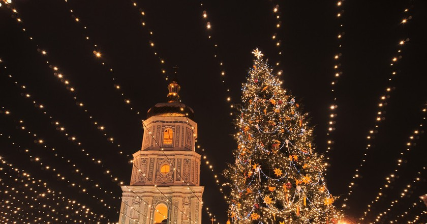 "<a href=""https://www.flickr.com/photos/spoilt_exile/31877952595/"">Christmas in Kiev