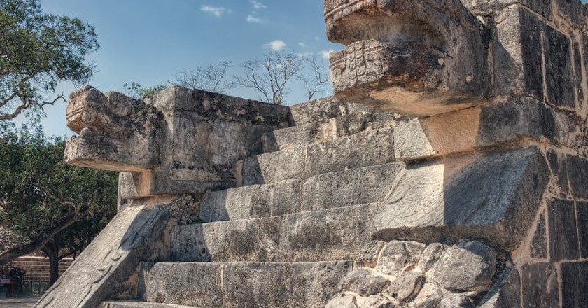 Platform of the Eagles and the Jaguars, Chichén Itzá | © Tinker & Rove / Flickr