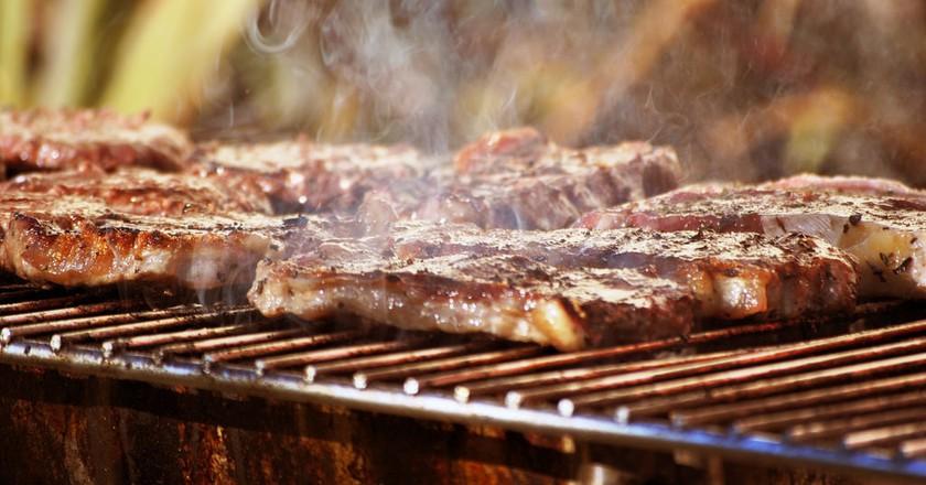 Backyard BBQ © Flickr / storm hawk [Hayley]