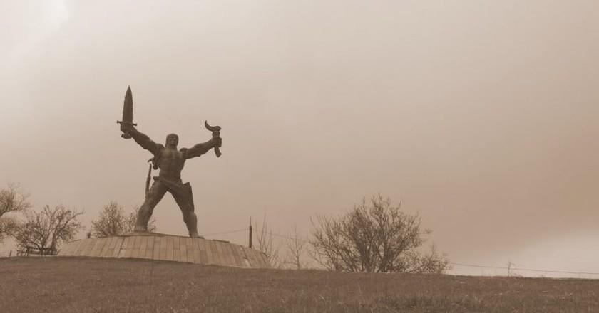 A statue of Amirani | © khalampre / WikiCommons