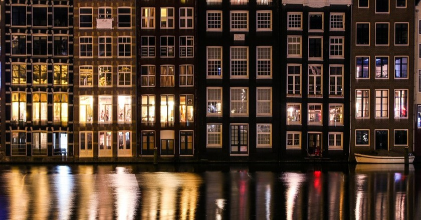 A Guide to Amsterdam's Magic Truffle Smartshops