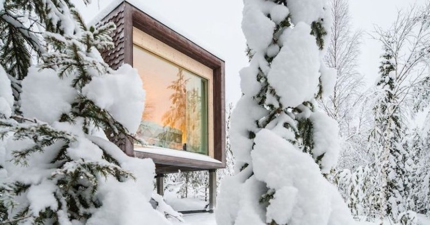Snowy treehouse | © Santa Park Artic World