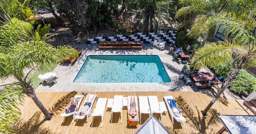 Poolside | Courtesy of Billabong Backpackers