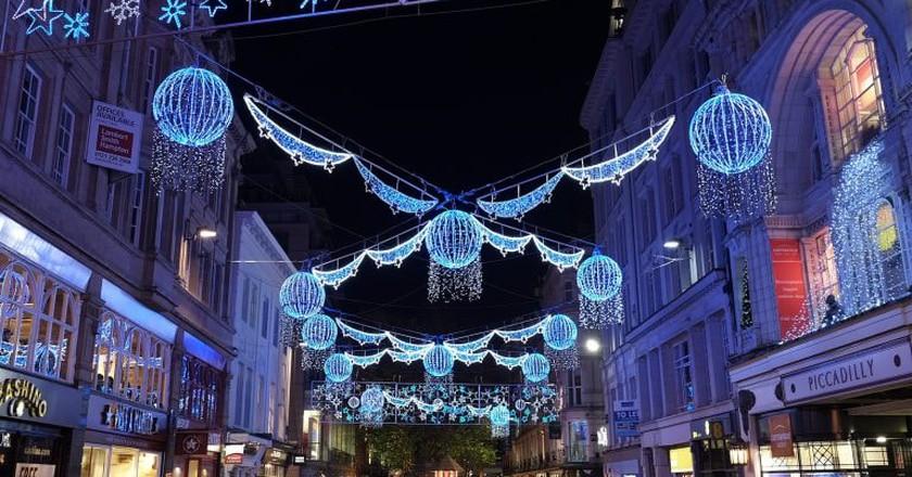 Birmingham Christmas lights   © Andrew Stawarz/Flickr