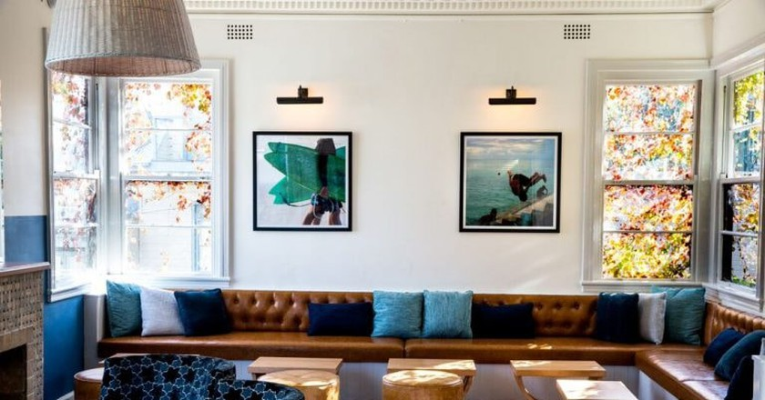 Blues Point Hotel lounge | © Courtesy of the Blues Point Hotel