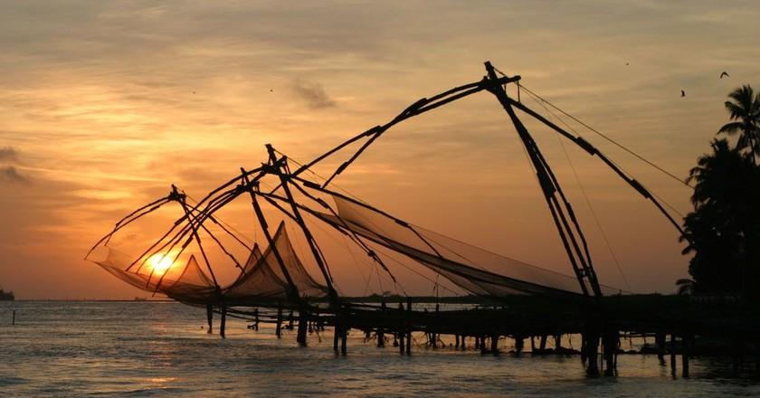 Chinese fishing nets at Fort Kochi Beach | © Brian Snelson / WikiCommons