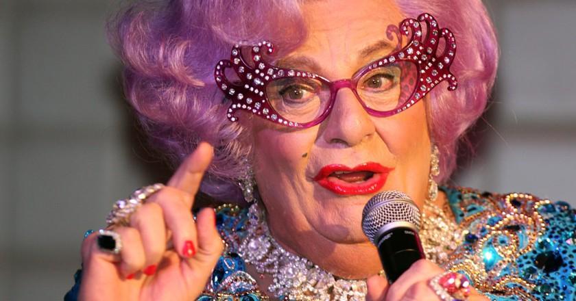 Dame Edna Everage | © Eva Rinaldi/Flickr