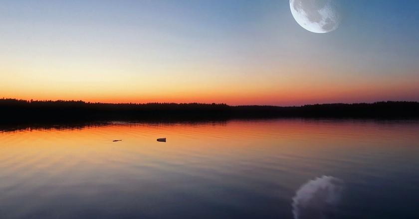 A remote lake in Finland | © ChadoNihi / Pixabay