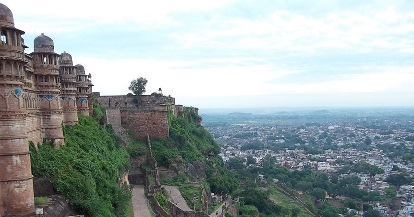 View of Gwalior city from the Gwalior Fort | © Yasirarafatbhat/Wiki Commons