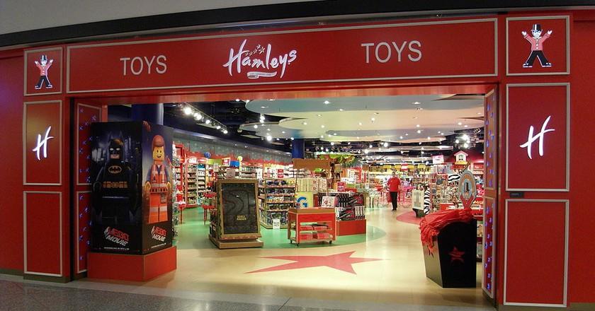 A Hamleys toy store | © Jin Zan / WikiCommons