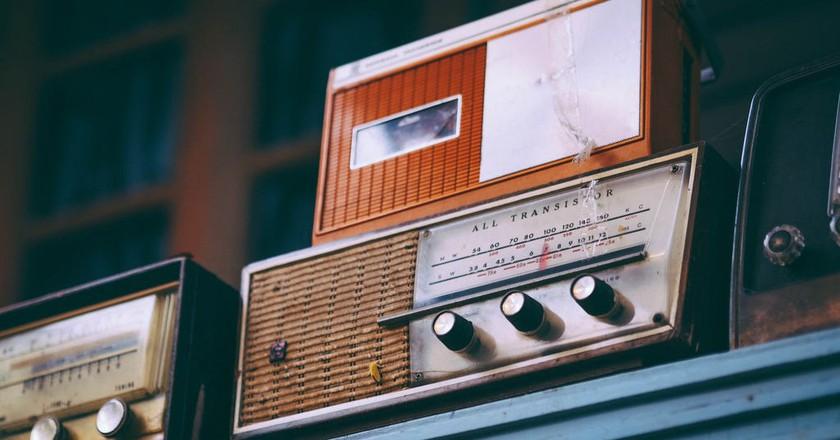 Vintage radios   © Igor Ovsyannykov / Unsplash