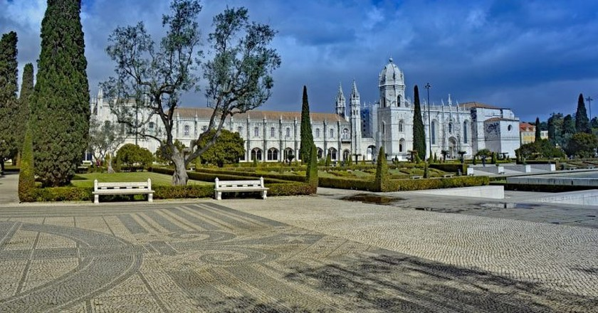 View of the Jerónimos Monastery from the Belém Garden | © lapping / Pixabay