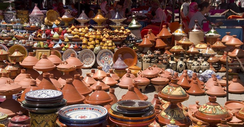Tagines and pottery for sale in Meknes   ©  DanielWanke/Pixabay