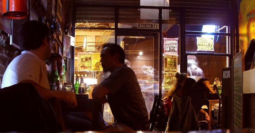 A bar in Almagro, Buenos Aires   © Matías Ávalos/Flickr