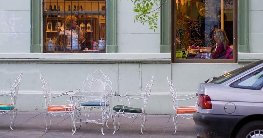 A cafe in Buenos Aires | © Dan DeLuca / Flickr