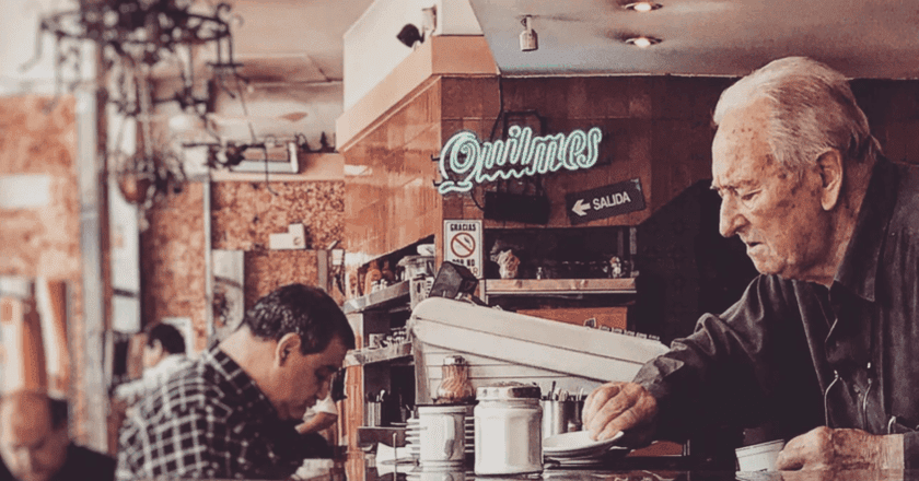 Buenos Aires' famous cafe culture | © Vicky Martinez/Instagram