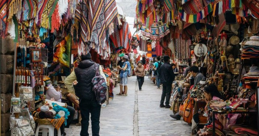 Walking around the streets of Pisac
