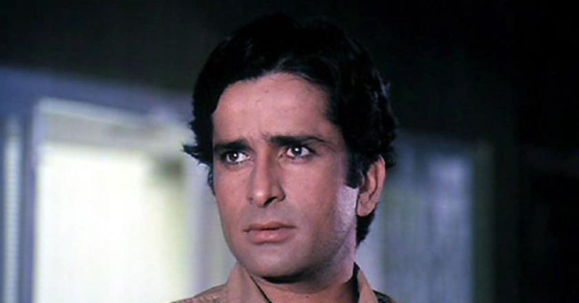 Shashi Kapoor as the cop Ravi in a scene from Deewar | Image Courtesy of Gulshan Rai/Trimurti Films