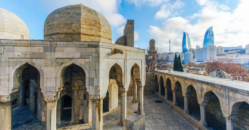 Old City with the modern city of Baku in the background   © ETIBARNAME/Shutterstock