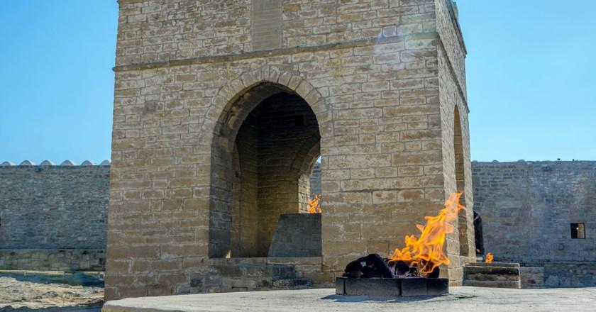 Fire Temple Ateshgah | © dinozzaver/Shutterstock