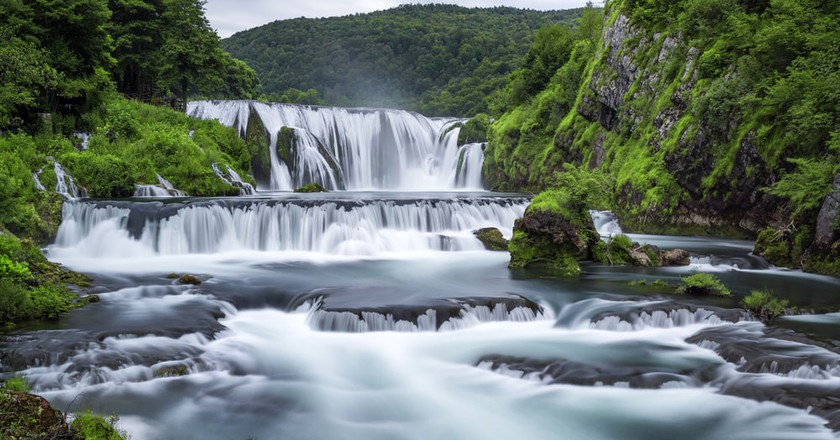 Waterfall of Strbacki Buk on Una river | © Weston/Shutterstock