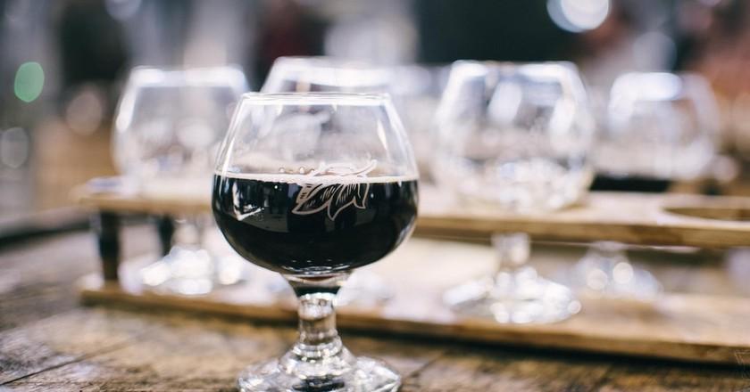 Dark Ale Unsplash | © Alice Donovan Rouse