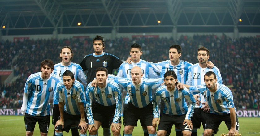Experience the thrill of the big game at a football match in Argentina | © Wikimedia CH / Flickr