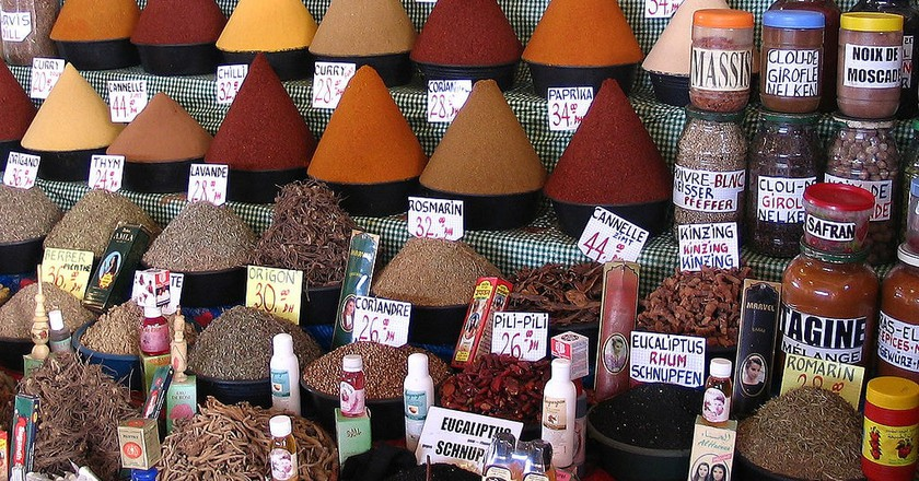 Colourful spices at a Moroccan souk| © Bertrand Devouard/WikiCommons