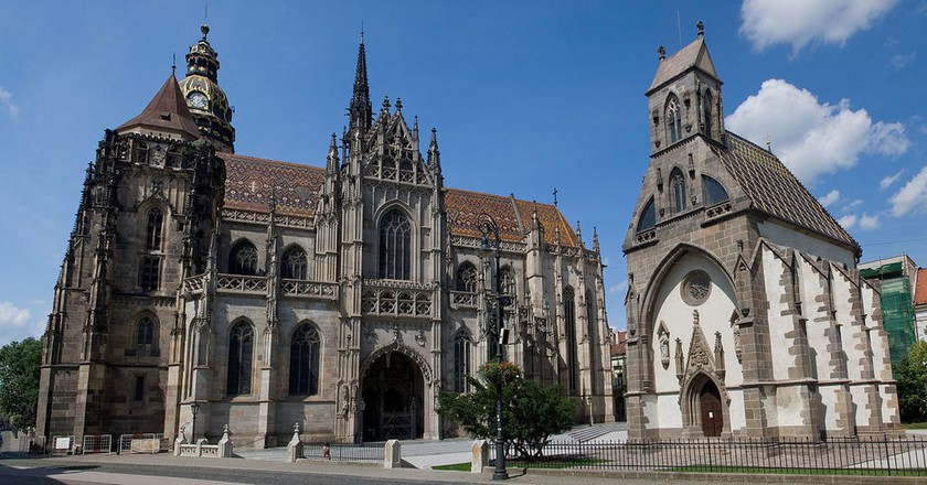Head to Kosice for backpacker-friendly accommodation and attractions, including the stunning St. Elisabeth's Cathedral | © Maros M r a z/WikiCommons