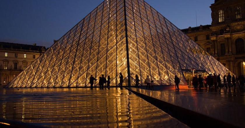 Take a Fascinating Da Vinci Code Walking Tour of Paris