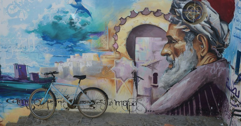 Large wall painting in Asilah of Ibn Khaldun | © mhobl/Flickr