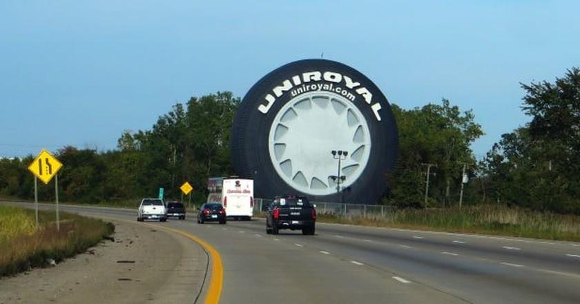 The world's largest tire in Allen, MI | © Ken Lund / Flickr