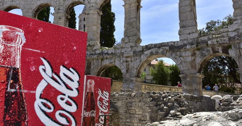 Coke at the Pula Amphitheatre   © Emilio Labrador/Flickr