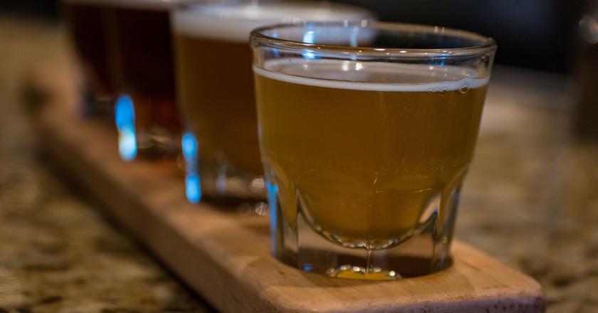 Beer Flight | © Nan Palmero/Flickr