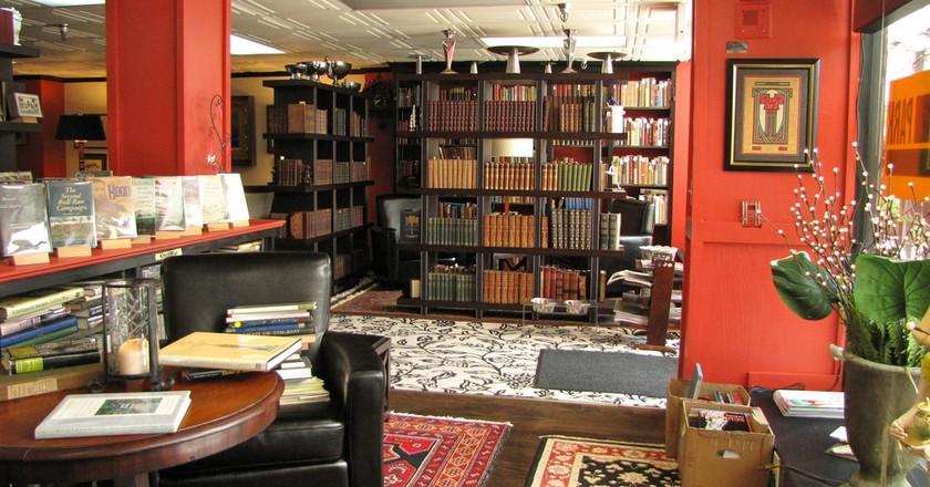 Battery Park Book Exchange and Champagne Bar, Asheville, NC | © Scott Teresi / Flickr